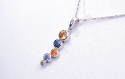 Simple Colors Pendant Collection